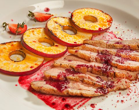Duck breast with apples and red bilberry-cranberry sauce